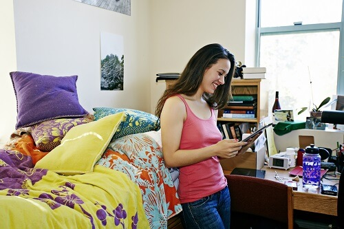 Living Large in a Small Space: Organization Tips for your College Dorm Room