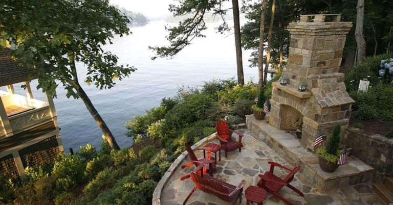 How to Make an Outdoor Fireplace