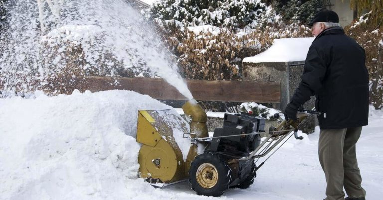Snow Removal Safety for Seniors: How Shoveling Can Put You at Risk