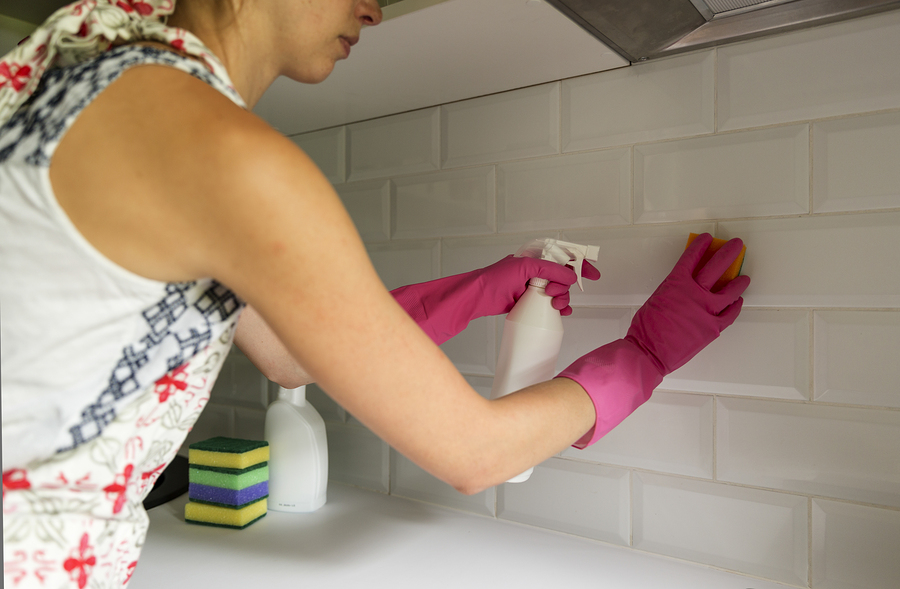 Hello Spring! Here's How to Clean Your Kitchen